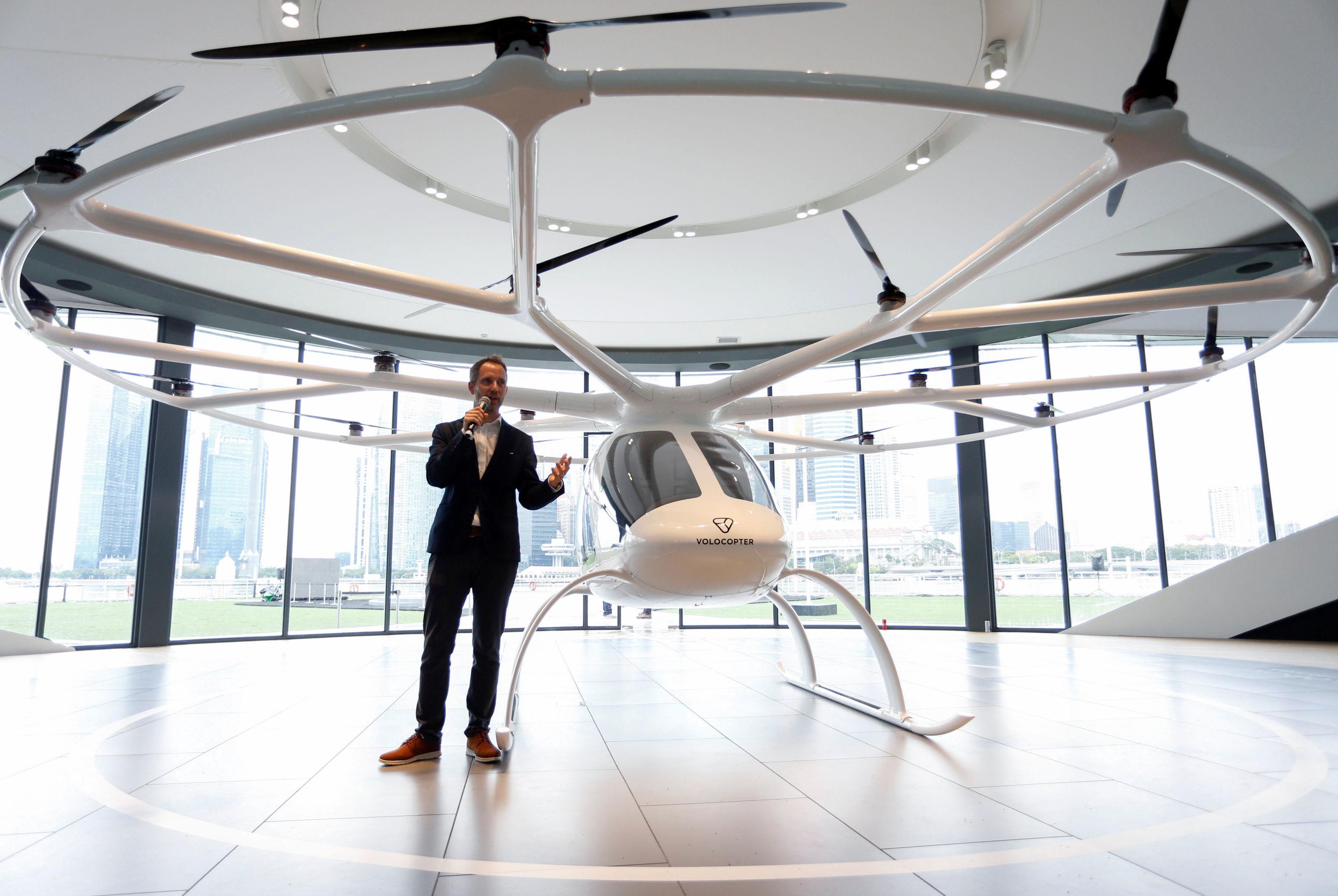 Alman şirketi Volocopter'ın CEO'su Florian Reuter, ürettikleri uçan taksiyi Singapur'da tanıtırken Çin, Hindistan, Tayland, Filipinler ve Endonezya'yı hedef ülkeler olarak açıkladı.