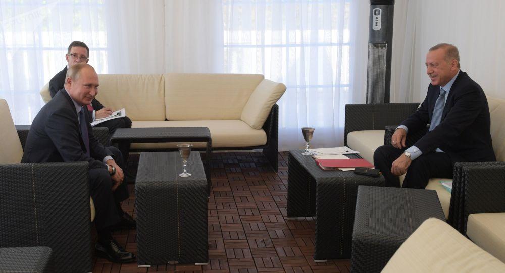 Soçi'de bugün gerçekleştirilen görüşme 6 saati aşarak, bugüne kadar yapılan Erdoğan ile Putin'in en uzun görüşmesi oldu.