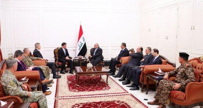 Irak'ın başkenti Bağdat'taki temaslarını sürdüren ABD Savunma Bakanı Mark Esper, Irak Başbakanı Adil Abdülmehdi ile bir araya geldi.