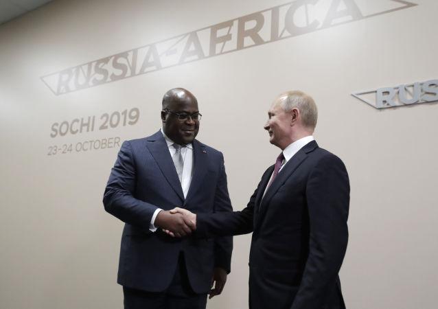 Kongo Demokratik Cumhuriyeti Cumhurbaşkanı Felix Tshisekedi ve Rusya Devlet Başkanı Vladimir Putin
