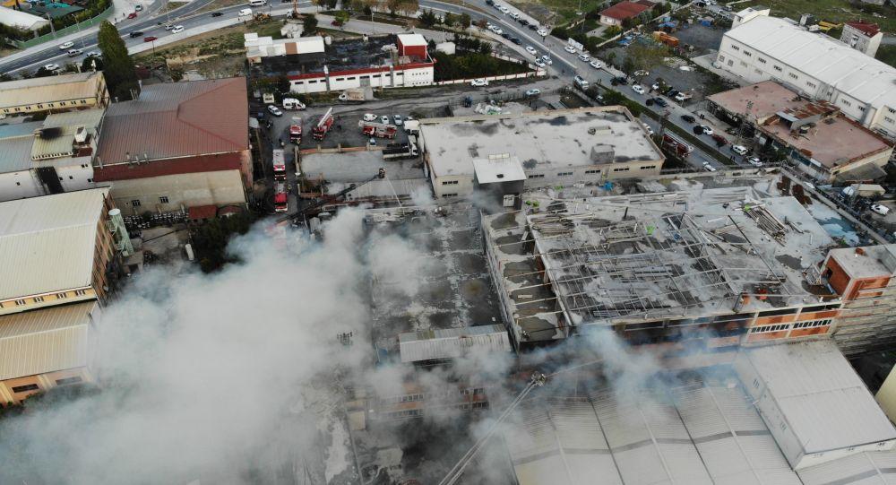 Arnavutköy'deki fabrika yangını söndürüldü