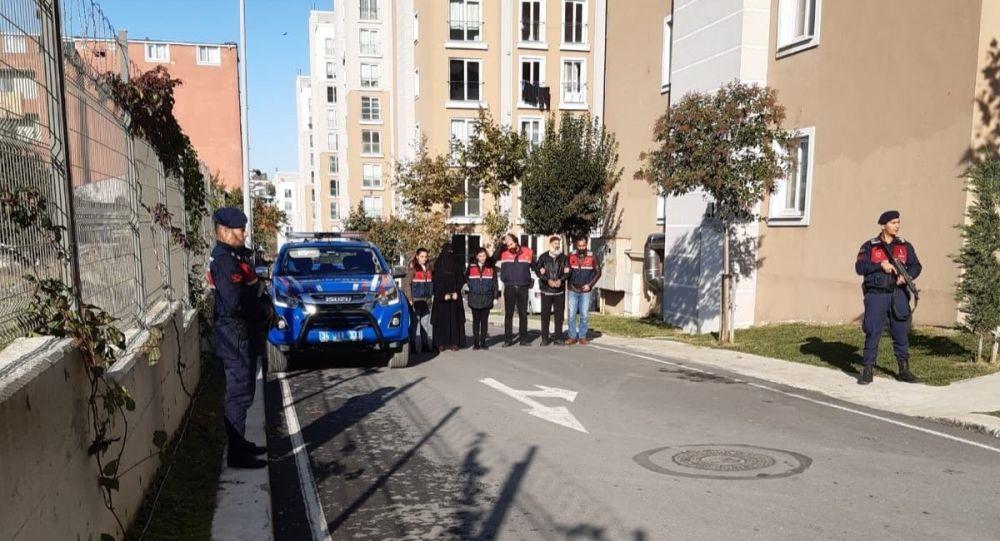 İçişleri Bakanlığından, Osmaniye merkezli 5 ilde düzenlenen DEAŞ'a yönelik operasyonda 7 kişinin gözaltına alındığı bildirildi.