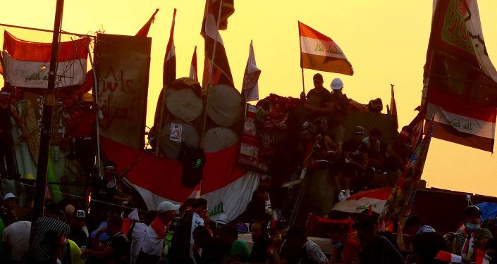 Iraklılar, işsizlik, yolsuzluk ve kamu hizmetlerinin yetersizliğini protesto etmek amacıyla ülkenin çeşitli bölgelerinde gösteriler düzenliyor
