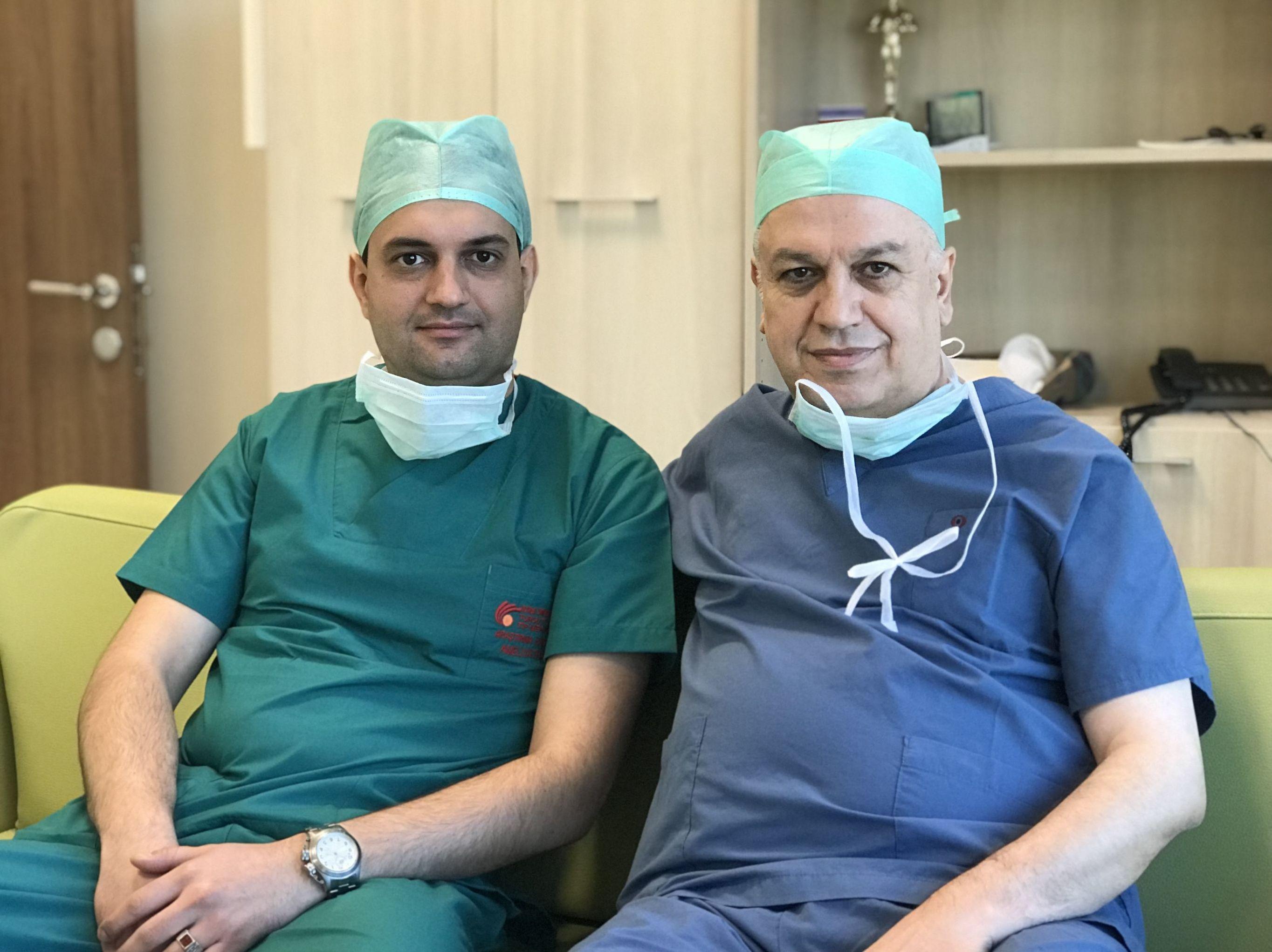 Artur Zakhlevniy, İnönü Üniversitesi Karaciğer Nakil Merkezi Müdürü Prof. Dr. Sezai Yılmaz'ın gerçekleştirdiği eğitime katılan Rus doktorlar arasında.