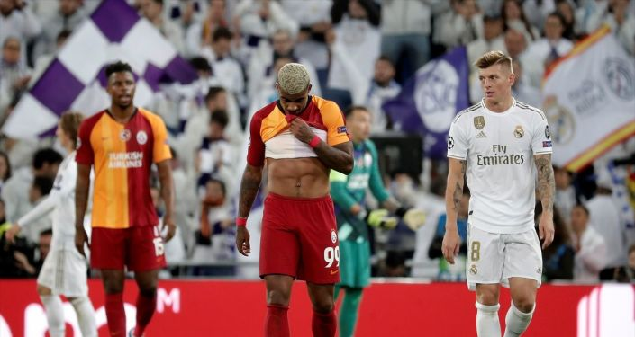 UEFA Şampiyonlar Ligi A grubu 4. hafta maçında Real Madrid ile Galatasaray takımları, Madrid'deki Santiago Bernabeu Stadı'nda karşı karşıya geldi.