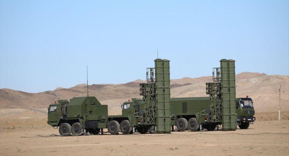 Özbekistan, Çin yapımı hava savunma sistemi olan FD-2000 uzun menzilli uçaksavar füzesini tatbikatta başarıyla denedi.