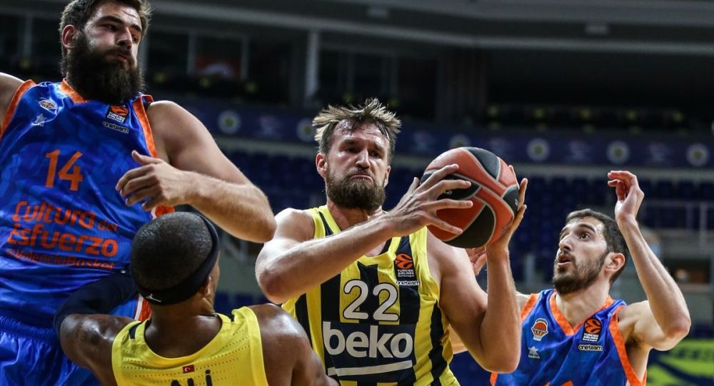 Fenerbahçe Beko, Valencia Basket'e 90-86 mağlup oldu