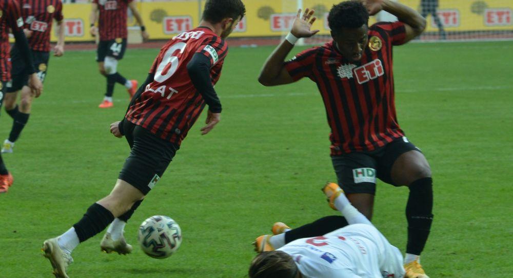 Eskişehirspor'da 9 futbolcunun Kovid-19 testi pozitif çıktı
