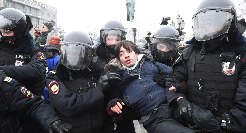 Rus milletvekili İsayev: Yasa dışı eylemlerin organizatörleri Belarus'taki gibi Rusya'yı da sarsmak istedi