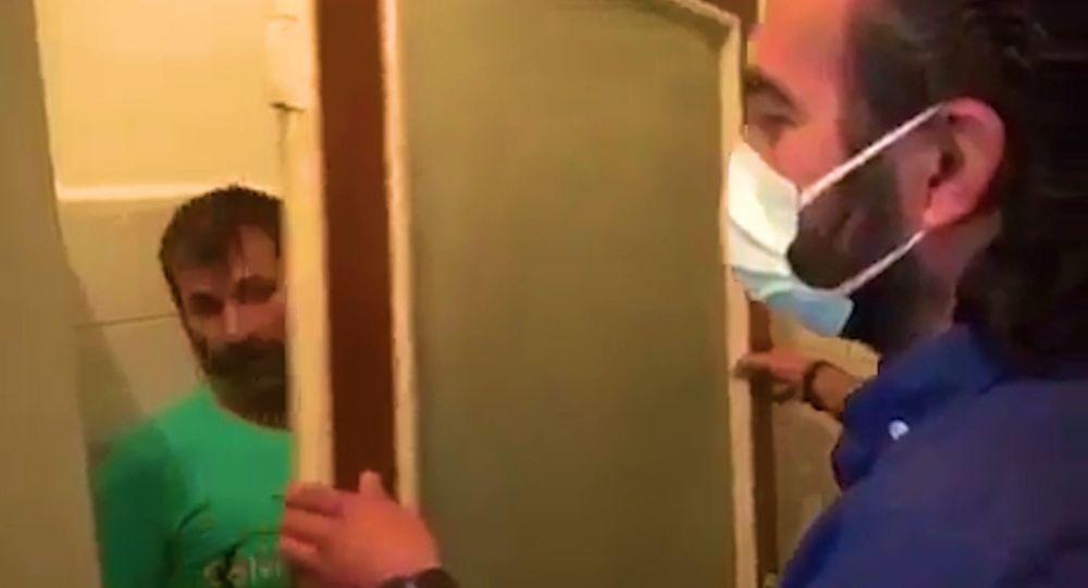 Kumar baskınında ilginç saklanma yöntemi: Yerinden söküp odanın köşesine götürdüğü mutfak kapısının arkasında yakalandı