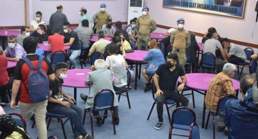 HES koduyla girildiği ileri sürülen kumarhanelere polis baskını: 220 kişiye toplam 1 milyon 57 bin 100 lira ceza