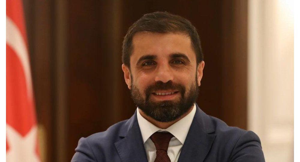 Bakan Soylu'nun danışmanı Hacıoğlu'ndan Peker'e yanıt: Aracımı 877 bin TL'ye borçla aldım, 10 gün önce de satışa koydum