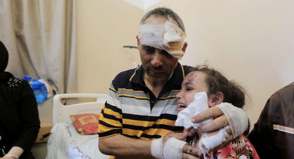 İsrail saldırısında annesini ve 4 kardeşini kaybeden Suzi, babasına kavuştu