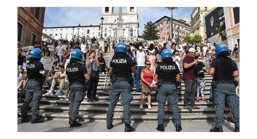 İtalya'da 'Yeşil Geçiş' belgesi protesto edildi: 'Nazi dönemi uygulamalarına benziyor'