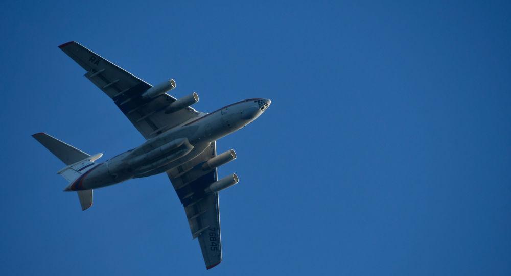 Rusya Acil Durumlar Bakanlığı'na ait bir yangın söndürme uçağı daha Antalya'ya ulaştı