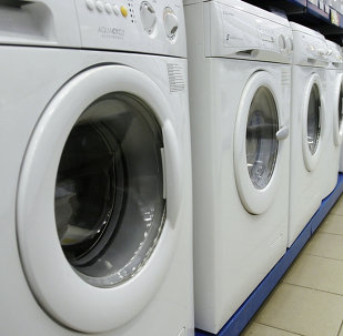 Media Markt mağazasında çamaşır makineleri