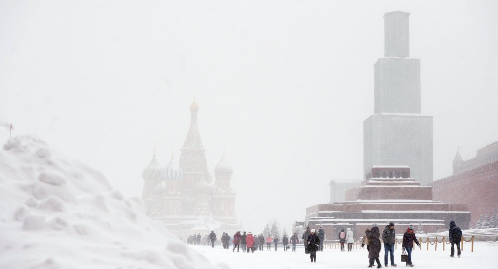 Moskova'da kar yağışı