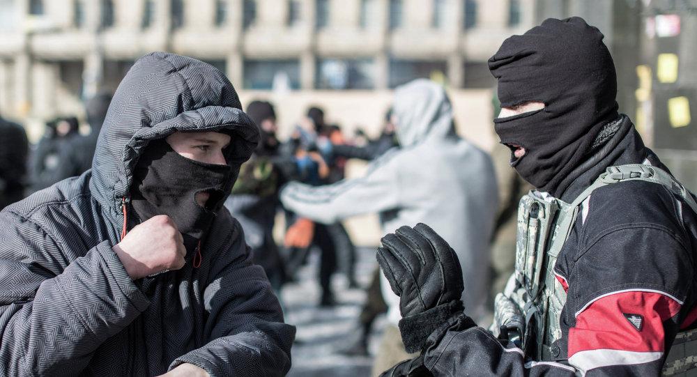 Kievdeki durum. Sağ sektor