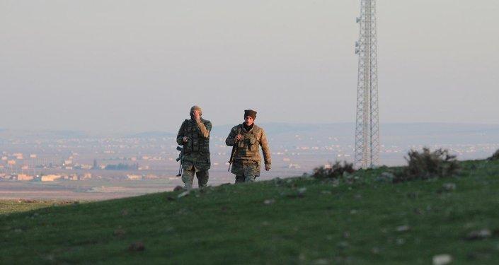 Kobani'deki Kürt milisler