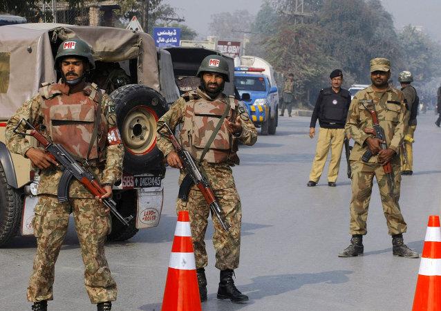 Pakistan'da Taliban'a operasyon
