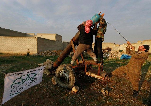 Suriyeli Muhalifler: Eğit-Donat Programı