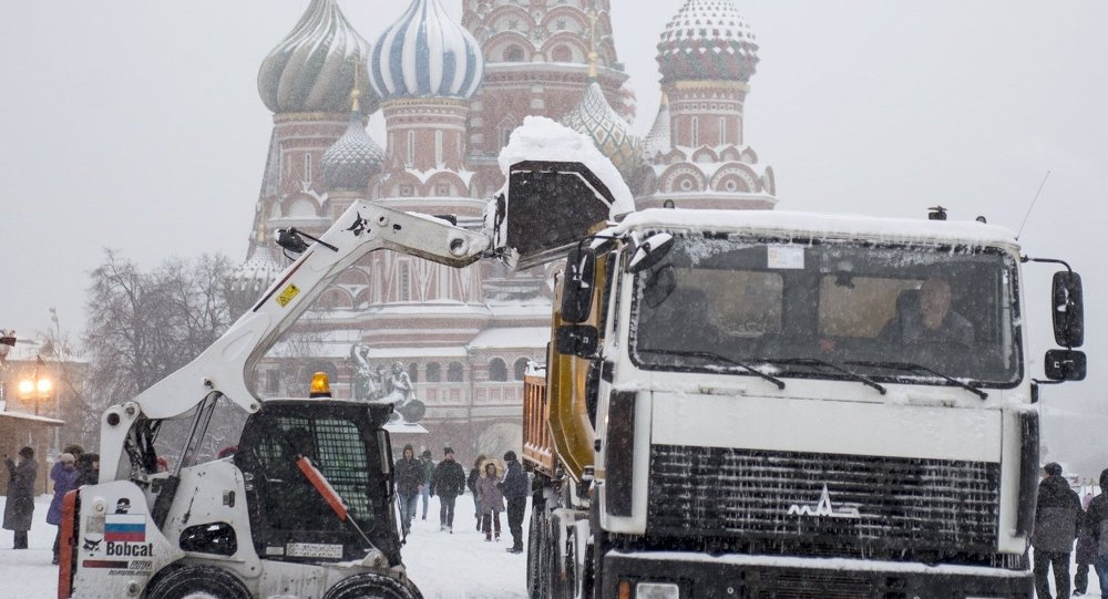 Moskova'da yoğun kar yağışı