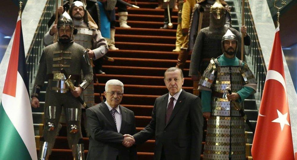 Erdoğan, Abbas'ı 16 Türk devletinin askeriyle karşıladı