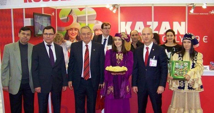 Tataristanlı turizm yetkilileri,  EMITT 2015 turizm fuarında