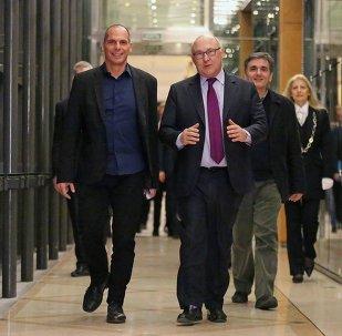 Fransa Maliye Bakanı Michel Sapin- Yunanistan Maliye Bakanı Yannis Varufakis