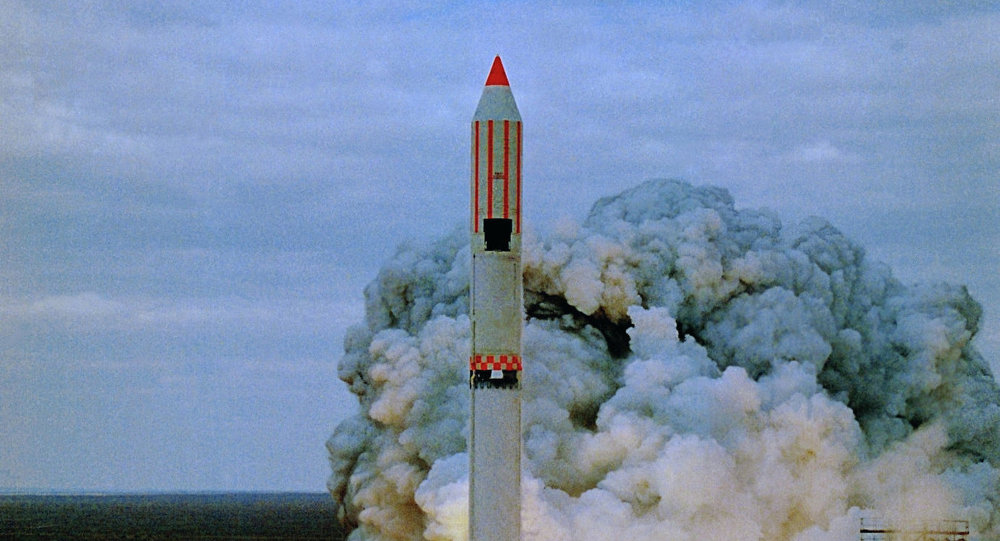 Baykonur uzay üssünden Zenit füzesinin fırlatılışı