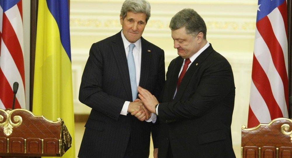 Pyotr Poroshenko ve John Kerry