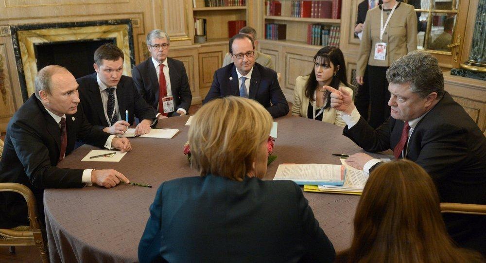 Vladimir Putin, Angela Merkel, François Hollande