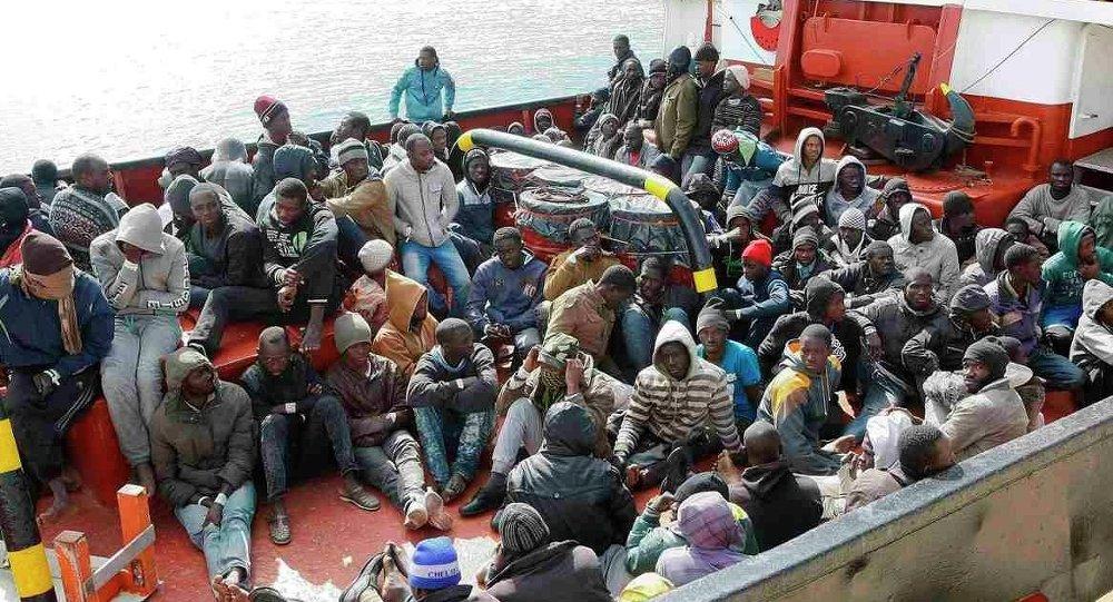 Akdeniz'de yakalanan kaçak göçmenler