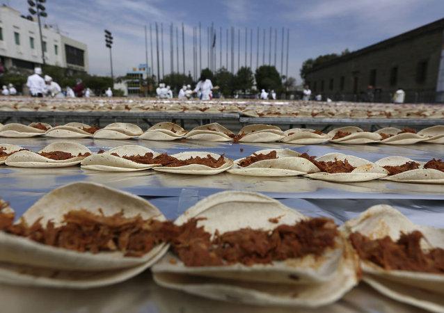 Meksikalı aşçılardan taco dünya rekoru