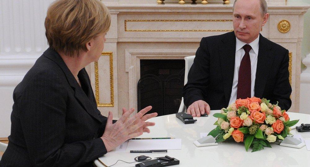 Almanya Başbakanı Angela Merkel ve Rusya lideri Vladimir Putin