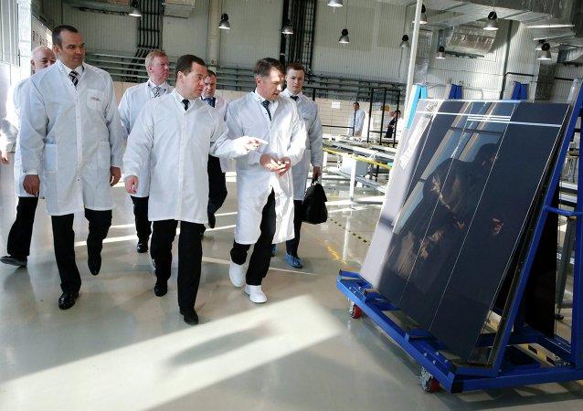 Dmitriy Medvedev Hevel fabrikasında
