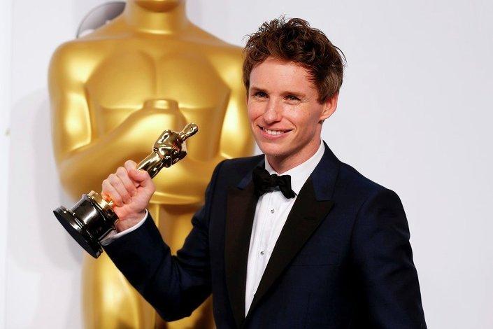Eddie Redmayne, ''The Theory of Everything'' filmindeki rolüyle ''En İyi Erkek Oyuncu'' ödülünü aldı.