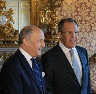 Rusya Dışişleri Bakanı Sergey Lavrov ve Fransa Dışişleri Bakanı Laurent Fabius