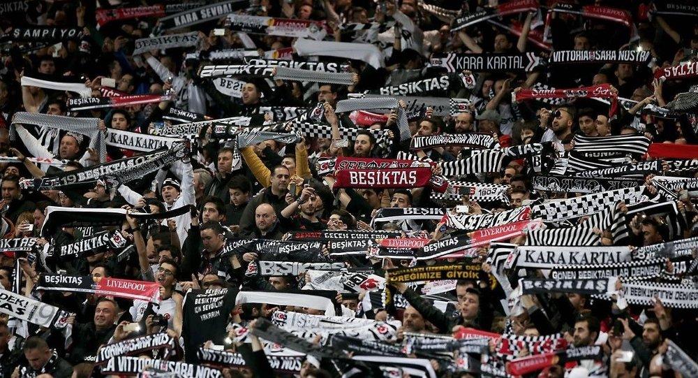 Liverpool karşılaşması, Beşiktaş'ın Avrupa kupalarında evinde en çok seyirci topladığı maç olarak tarihe geçti.