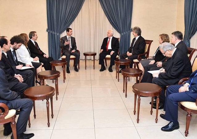 Beşar Esad, Doğu Perinçek ve beraberindeki heyet ile görüştü