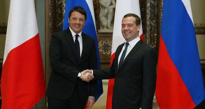 İtalya Başbakanı Matteo Renzi- Rusya Başbakanı Dmitriy Medvedev