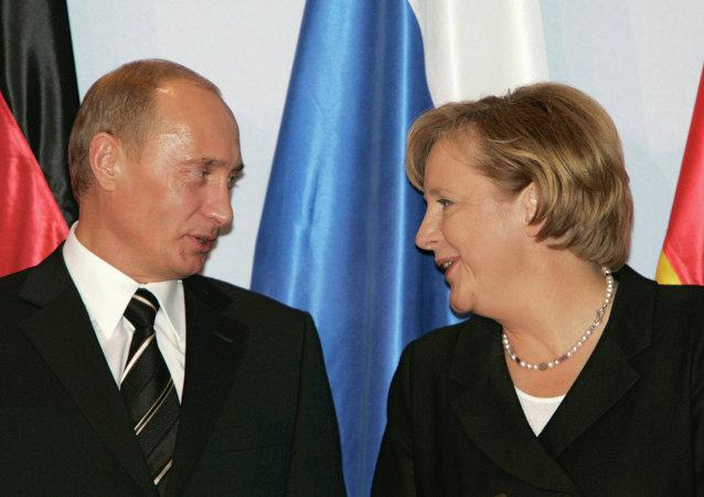 Rusya Devlet Başkanı Vladimir Putin - Almanya Başbakanı Angela Merkel