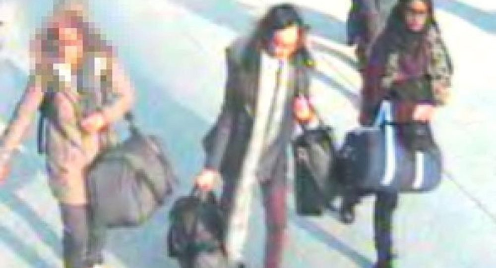 IŞİD'e katılmak isteyen 3 genç kız