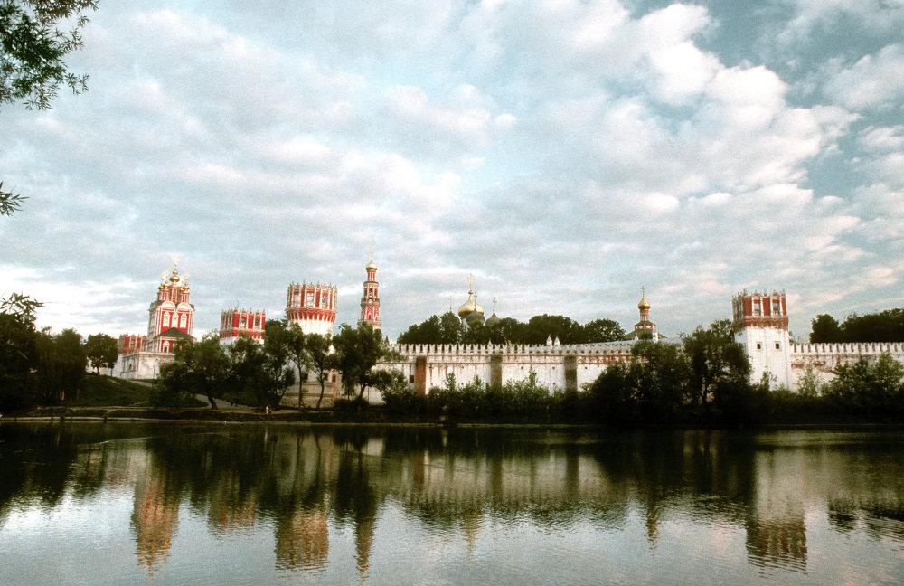 Moskova'daki Novodeviçi Manastırı.