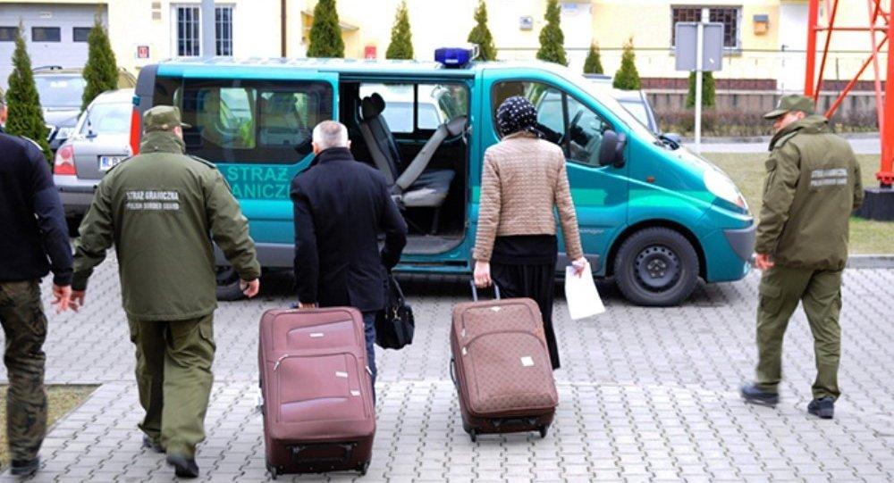 Fransız adam Rus eşini bavulla AB'ye sokmaya çalıştı