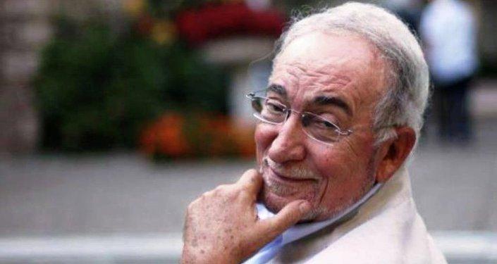 Türk şiirinin en önemli isimlerinden Hilmi Yavuz, Sputnik'te Süheyla Demir'in sunduğu 'Radyo Sohbetleri' programına konuk oldu.