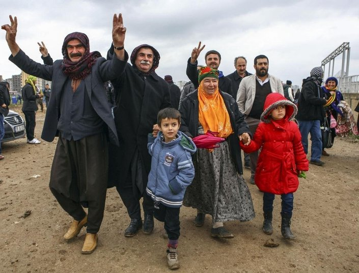 Vatandaşlar Nevruz'u kutlamak için Nevruz Parkı'nda