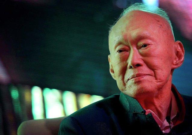 Singapur'un kurucusu Lee Kuan Yew