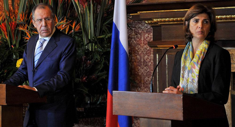 Rusya Dışişleri Bakanı Sergey Lavrov ve Kolombiya Dışişleri Bakanı  Angela Holguin