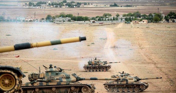 Suriye sınırında Türk tankları